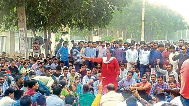 Contractual workers have been protesting at the Honda plant in Manesar since November 5, 2019.(HT Photo)