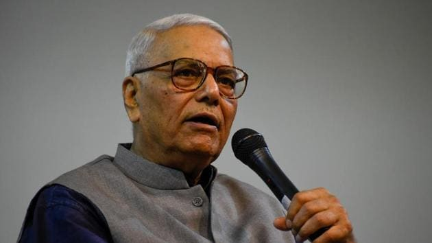 Yashwant Sinha at Public lecture At Kale hall of Gokhale Institute in Pune.(Photo by Sanket Wankhade/HT PHOTO)