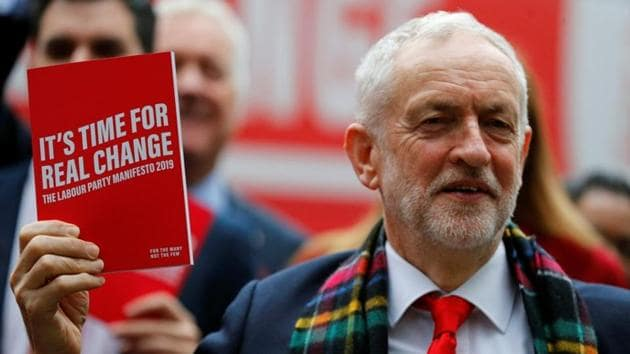 Leader of the Labour Party Jeremy Corbyn holds his party's general election manifesto at its launch in Birmingham, Britain November 21, 2019.(Photo: Reuters)