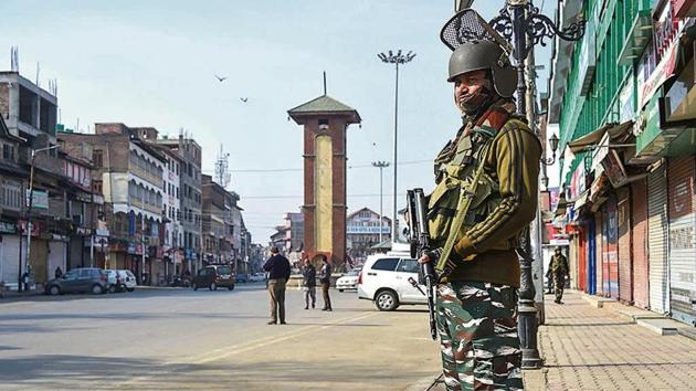 Centre justified in the Supreme Court on Thursday its restrictions in Jammu and Kashmir.(PTI Photo)
