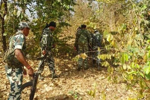 Security forces during a combing operation against the Maoists(HT Photo/Representative)