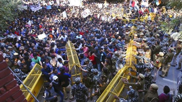 JNU students protesting hostel fee hike.(HT file)