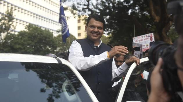 Preparations for the early morning swearing-in of Maharashtra chief minister Devendra Fadnavis began in the dead of the night on Saturday(Kunal Patil/HT Photo)