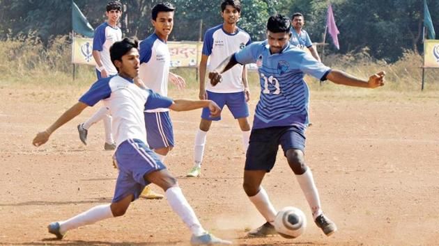 Fatima XI (white) outplayed a wasteful Pune Police team.(HT Photo)