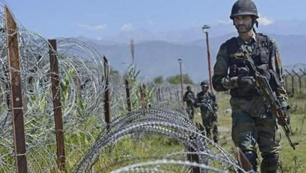 Indian Army had recently targeted camps and launch pads of terrorists along the Line of Control about a month ago in which four to six terrorists were killed.(Hindustan Times file photo)
