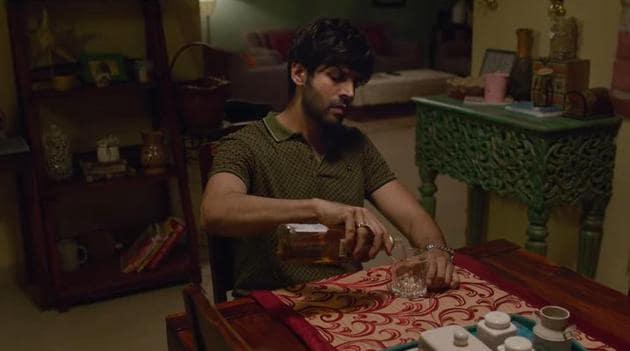 Kartik Aaryan plays a man confused in love in Pati Patni Aur Woh.