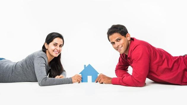 The most recent surge in housing credit demands has been prompted by updates from the RBI which mandate financial institutions to link their lending rates to external benchmarks such as the MCLR.(iStock)