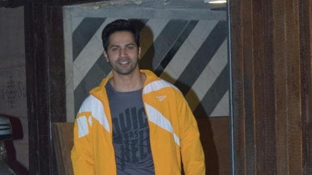 Mumbai: Actor Varun Dhawan seen at a gym in Juhu, Mumbai on Nov 19, 2019. (Photo: IANS)(IANS)