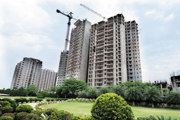 Real estate sector is expected to generate 1.28 crore of man-days in West Bengal in future, state Finance Minister Amit Mitra said.(HT Photo)