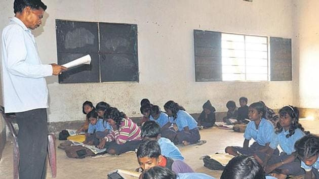 Teachers of those schools in MP, which have recorded the worst performance in three consecutive years and flunked two qualification exams, will be granted compulsory retirement, School Education Minister Prabhuram Chaudhary announced.(HT file/representative image)