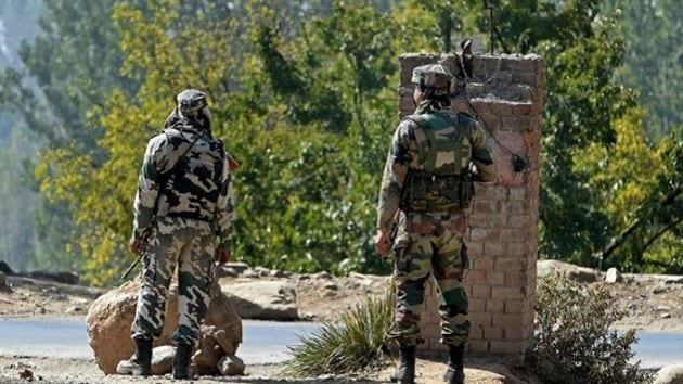 Defence Acquisition Council, the defence ministry's top procurement body, green-lit the indigenous development and manufacturing of thermal imaging night sights for assault rifles to bolster the Make in India initiative.(PTI FILE)