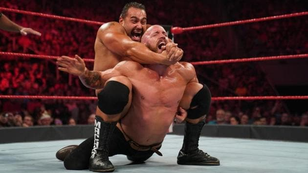 Mike Kanellis in a match against Rusev.(WWE)