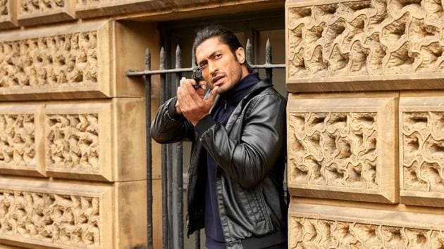 Vidyut Jammwal returns as an action hero in Commando 3.