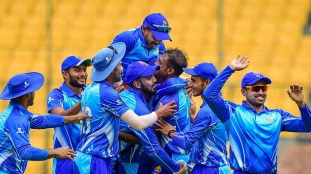 File photo of Karnataka team celebrating.(PTI)