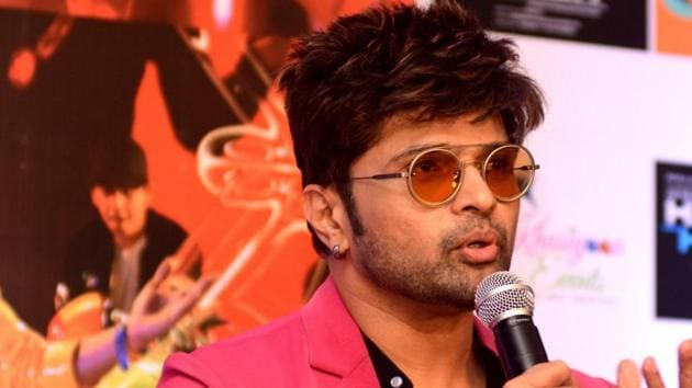 """Singer-actor Himesh Reshammiya during the promotion of his upcoming film """"Happy Hardy and Heer"""" in Kolkata.(IANS)"""