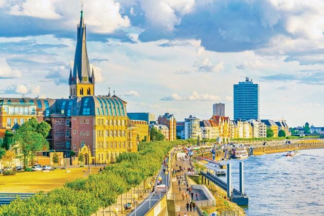 There's never a dull moment around the River Rhine in Düsseldorf(Shutterstock)