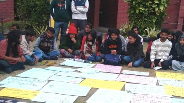 IIMC students staging a peaceful protest in the institute campus(Nandini/ HT Photo)