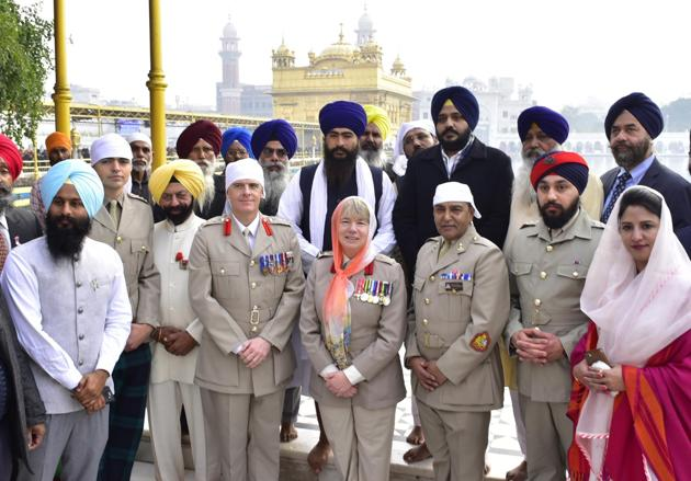 The British army delegation at Golden Temple in Amritsar on Wednesday.(Sameer Sehgal/HT)