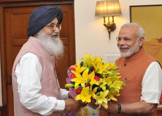 A file photo of Shiromani Akali Dal patriarch Parkash Singh Badal calling on Prime Minister Narendra Modi in New Delhi. The SAD, founded on this day in 1920, is one of the oldest constituents of the BJP-led National Democratic Alliance.(HT photo)