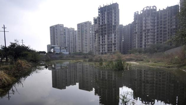 A view of the Green belt at Sector-143 which was converted into a sewer-pond as the area doesn't have a dedicated sewer line, in Noida, on Saturday, December 14, 2019.(Sunil Ghosh / HT Photo)