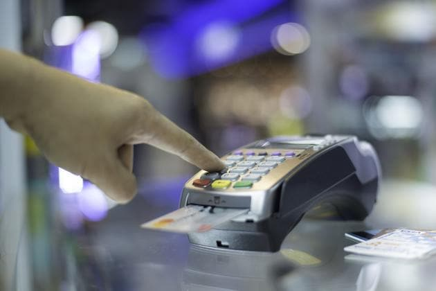 Payment by credit card(Getty Images/iStockphoto)
