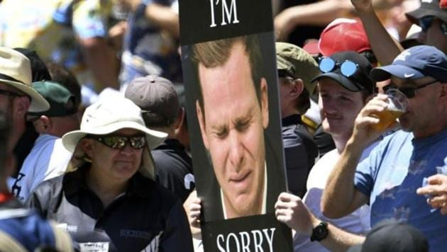 New Zealand fan holds a Steve Smith poster at MCG.(Twitter Image)
