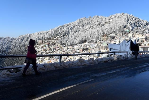Though Shimla missed snowfall on Christmas, it is likely to have a white New Year's eve.(Deepak Sansta / Hindustan Times)