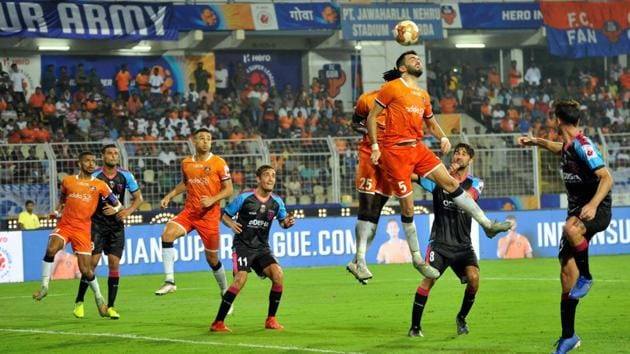 FC Goa and Odisha FC players in action during the the 44th match of the 6th edition of the ISL.(PTI)