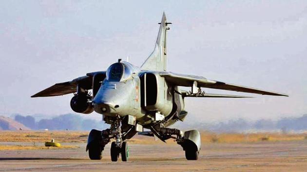 The Indian Air Force's fighter jets MiG-27.will take its last flight on Friday from Jodhpur airbase.(HT Photo)