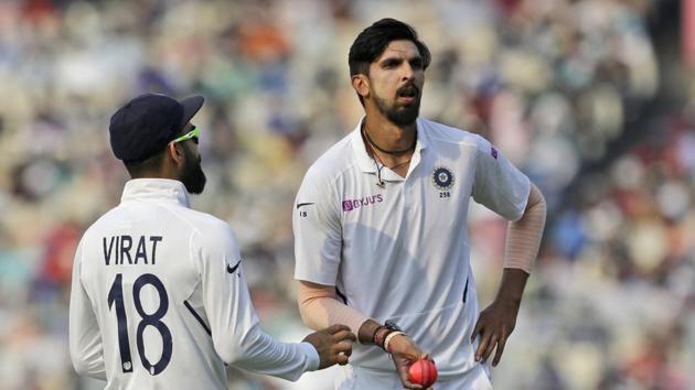 India's captain Virat Kohli talks to Ishant Sharma.(AP)