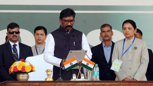 Hemant Soren presided over the first cabinet meeting of the newly elected coalition government in Jharkhand hours after taking oath as the state Chief minister.(Diwakar Prasad/ Hindustan Times)