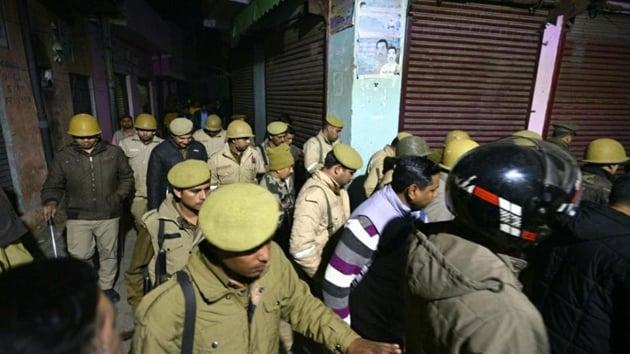 Police personnel seen patrolling in Bijnor, Uttar Pradesh, on December 24.(HT Photo)