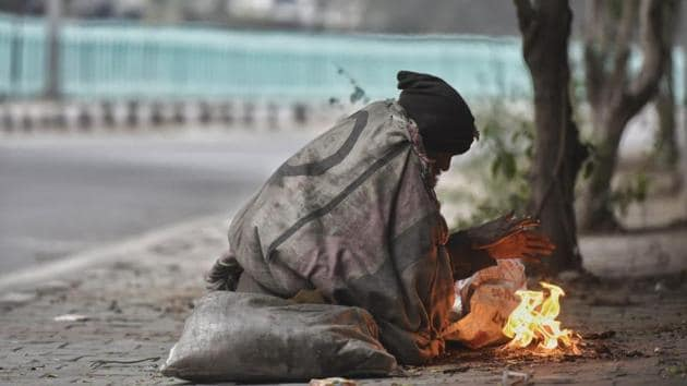 The minimum temperature in Delhi was 4.8 degree Celsius on Tuesday morning.(Biplov Bhuyan/HT Photo)
