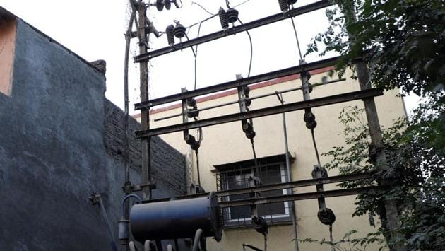 The three employees were electrocuted to death after they had finished fitting street lights in Rajiv Gandhi IT park in Hinjewadi.(REPRESENTATIVE PHOTO)
