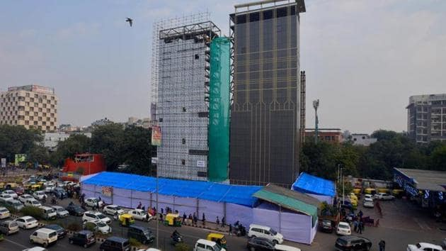 Each tower at the facility is at least 39.50 metres height with 17 levels to accommodate 34 cars.(HT Photo)