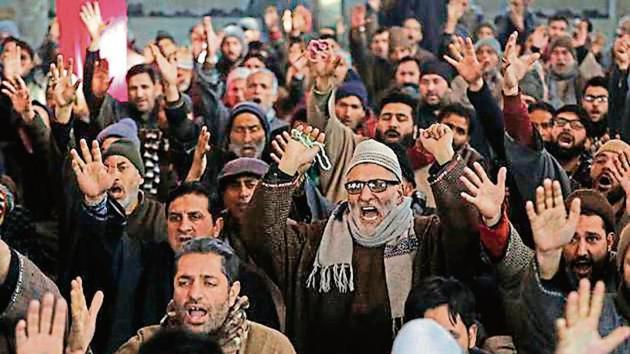 People protest against the killing of Qassem Soleimani in Magam, Jammu and Kashmir, on Friday.(AP)
