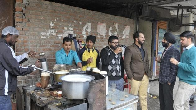 Extra tea will be provided for inmates till winter is over at the Sitarganj central jail in US Nagar district of Uttarakhand.(HT PHOTO.)