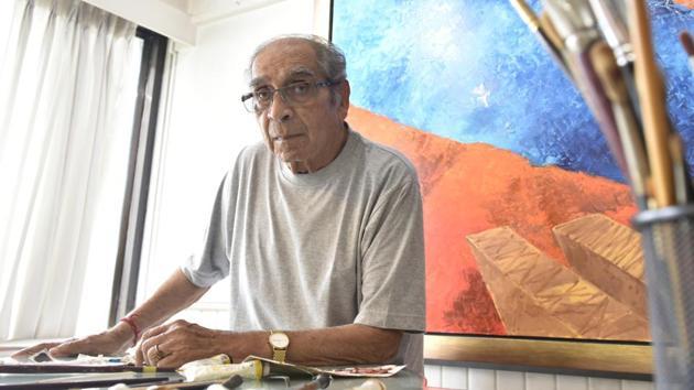 In this file photo, Artist Akbar Padamsee photographed at his residence at Prabhadevi in Mumbai, India, on Friday, August 12, 2016.(Anshuman Poyrekar/ Hindustan Times)