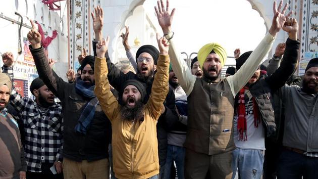Sikh community people shout slogans during a protest against the attack on Pakistan's Nankana Sahib Gurdwara, in Jammu, on Saturday, January 04, 2020.(Photo: Nitin Kanotra / Hindustan Times)