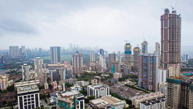 The report adds that developers continue to dole out freebies for buyers and affordable houses continued to dominate launches in MMR.(Mint File Photo)