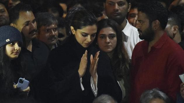 Actor Deepika Padukone visited the Jawaharlal Nehru University and joined a protest against the Jan 5 violence on the university campus.(Vipin Kumar /HT PHOTO)
