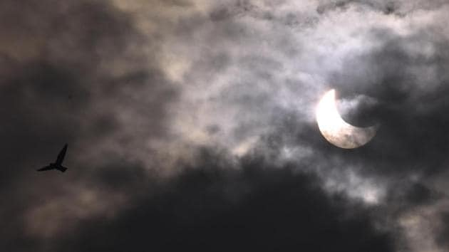 Partial solar eclipse seen from Nehru Plantorium. in Mumbai, on December 26, 2019.(HT Photo)