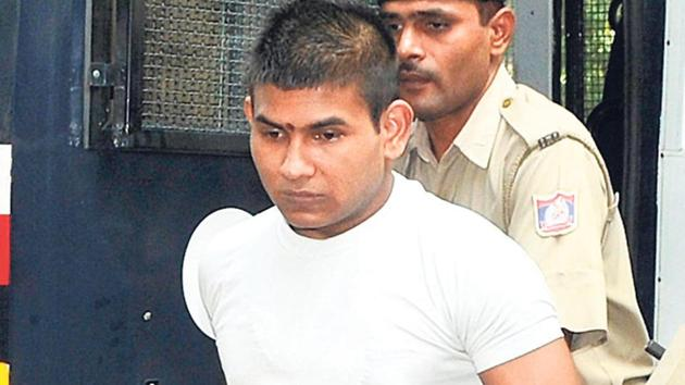 Vinay Sharma in his petition argued that the court overlooked mitigating factors while sentencing a person to death. He submitted that he was only around 19 years at the time of commission of offence(Sonu Mehta/HT File Photo)