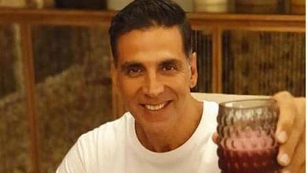 """Akshay Kumar shares the recipe for his healthy breakfast after Twinkle Khanna challenged him for """"eating clean""""."""