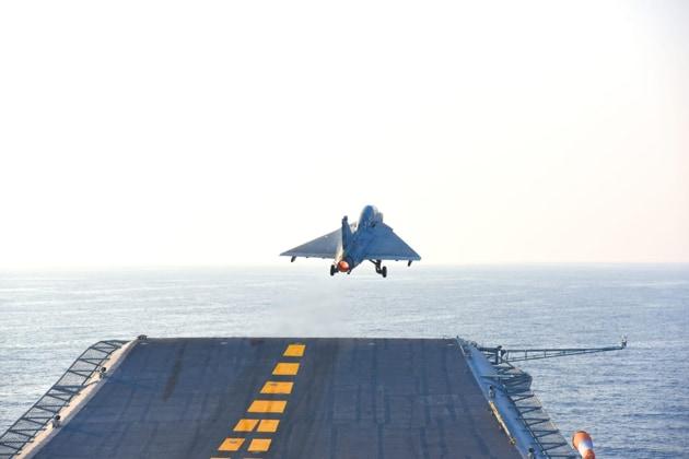 The developmental LCA (N) MK1 undertaking the maiden Ski Jump Take-Off from INS Vikramaditya today.(Indian Navy/ Twitter)