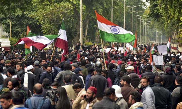 AMU students' continuing protests against the Citizenship (Amendment) Act (CAA) has brought the varsity to a standstill.(PTI Photo/File/Representative)