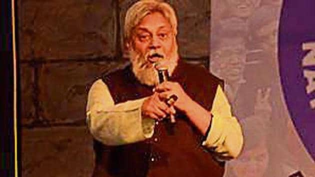 'Waterman' Rajendra Singh addressing the youths.(HT)
