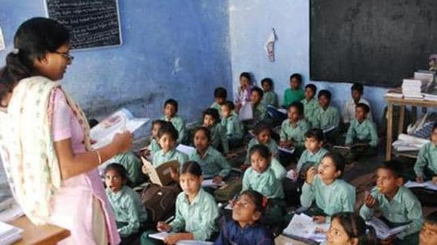 The report highlights huge age-variation among children enrolled with pre-primary centres, including anganwadis and private schools.(HT file)