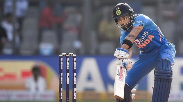 Indian batsman Virat Kohli plays a shot.(PTI)