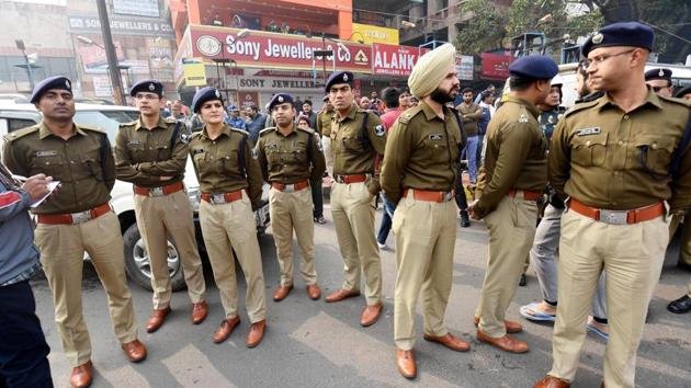 The funnels vest discretion in the individual officers, be it police officers or the magistrates, who decide whether or not there is sufficient basis to proceed further with a case at each stage(Santosh Kumar / Hindustan Times)